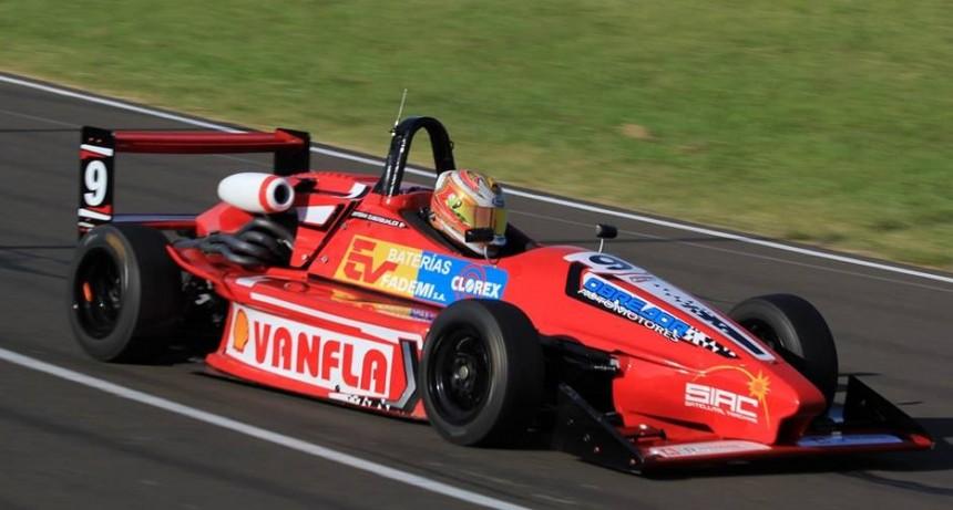 FORMULA 3 SANTAFESINA - Podio y buenos puntos en la primera fecha para Esteban Zuberbuhler