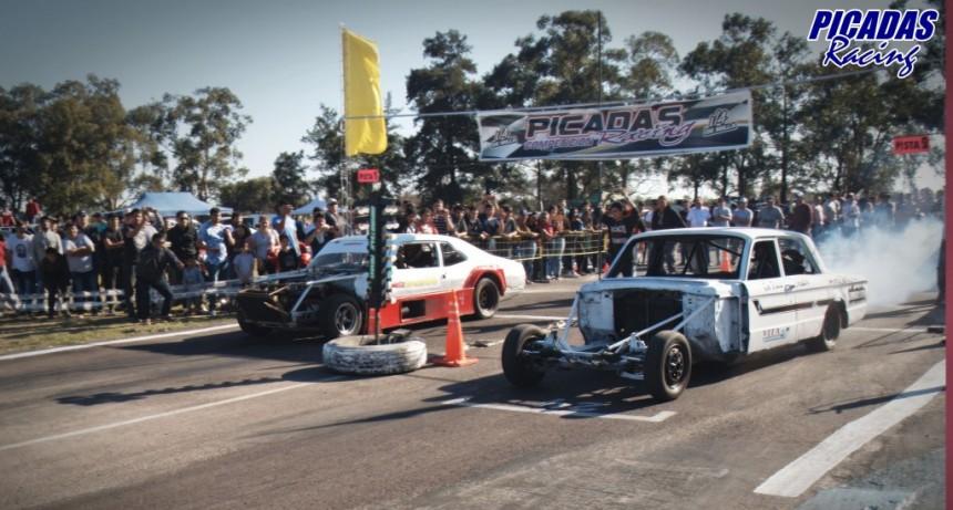 PICADAS - despedida de año a pura aceleración en la recta del Reconquista Auto Club